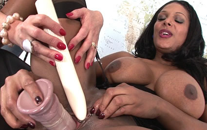 Indian milf cums from Lady Sonia