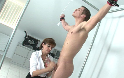 Kinky cum milking from Lady Sonia
