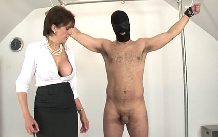 Domina masturbates from Lady Sonia