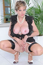 Long mature legs from Lady Sonia