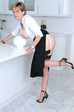 Milf in kitchen from Lady Sonia